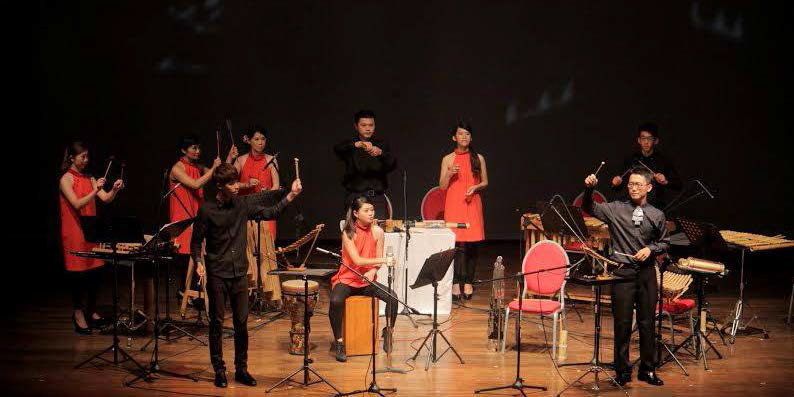 "The Taiwan Bamboo Orchestra (TBO) serenades the Silliman community with their variety of Chinese, Taiwanese, and Filipino folk music in a concert entitled ""Organic Resonance"" last Aug. 2 at the Luce Auditorium. PHOTO BY Nel Dableo"