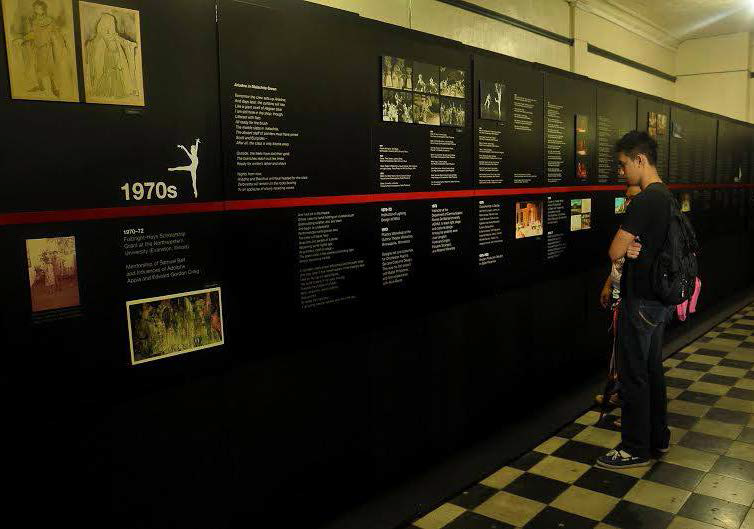 Sillimanians view a timeline of National Artist Salvador Bernal's explorations in the field of theater design. An exhibit of the artist's works at the Silliman University Hall is open from July 18 to August 8. PHOTO BY Mark Liu Ruiz